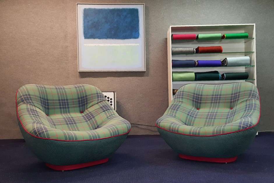 Rare_Pierre_Paulin_Bonnie_500_Lounge_Chairs_1